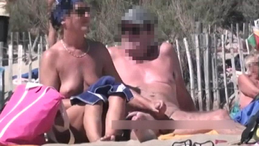 ヌーディストビーチでこんなのアリ!? part2...thumbnai1