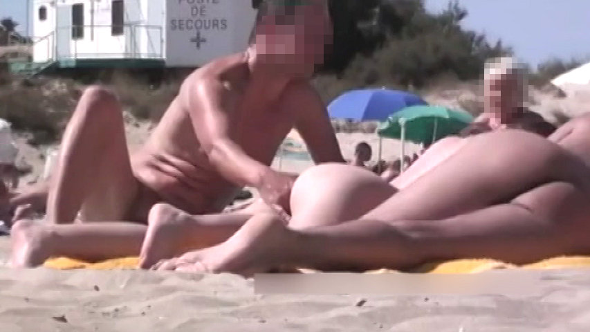 ヌーディストビーチでこんなのアリ!? part2...thumbnai10