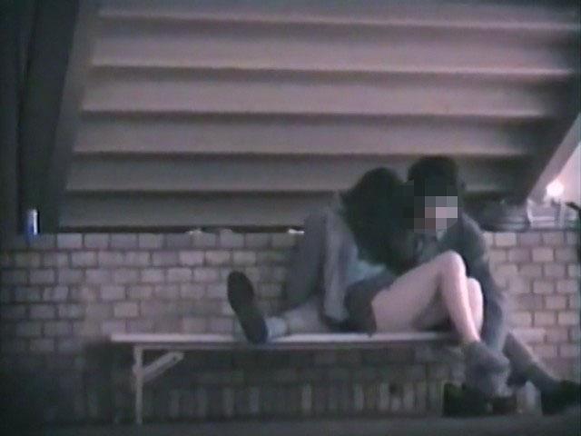 素人:階段下のラブラブベンチ 3【のぞきザムライ】