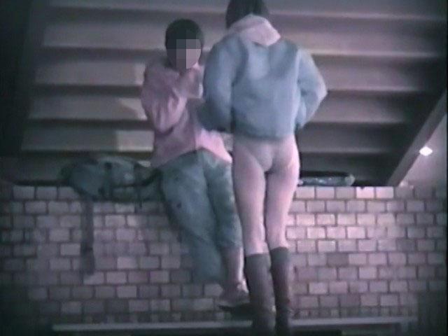 素人:階段下のラブラブベンチ 4【のぞきザムライ】