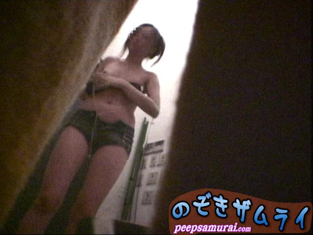 素人 - 美人ギャルが集まるクラブの更衣室盗撮 1