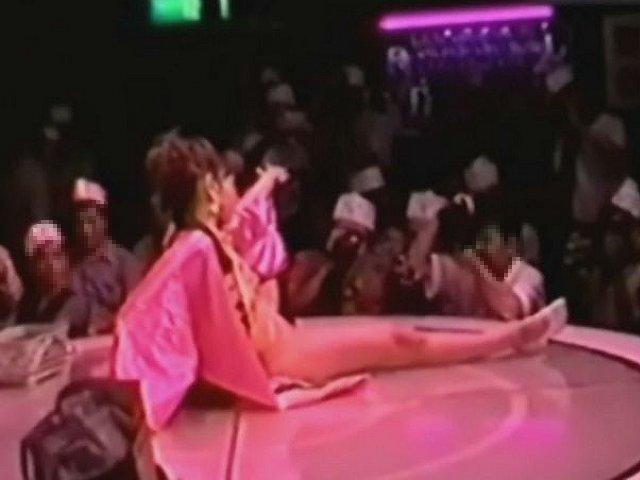 素人 - 実録!ストリップ劇場の本番 part2