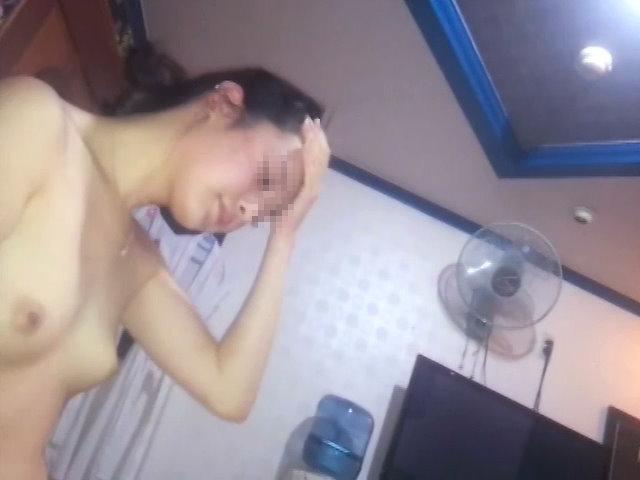 韓国美女に中出しする怖いお兄さん...thumbnai2
