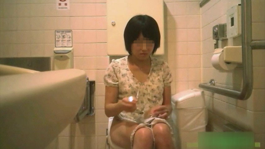 素人 - デパートトイレの高画質正面盗撮 2