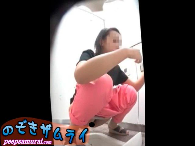 素人 - キレイなお姉さんの和式放尿集